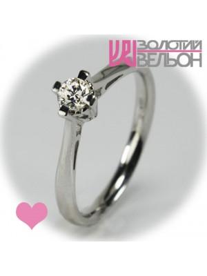 Помолвочное золотое кольцо с бриллиантом 551-10004