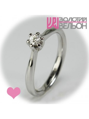 Помолвочное золотое кольцо с бриллиантом 551-10008
