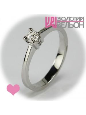 Помолвочное золотое кольцо с бриллиантом 551-10018