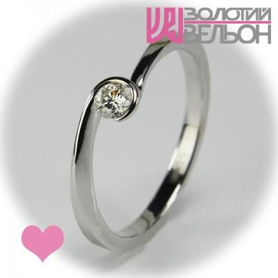 Помолвочное золотое кольцо с бриллиантом 551-10039