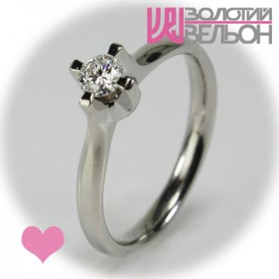 Помолвочное золотое кольцо с бриллиантом 551-10048