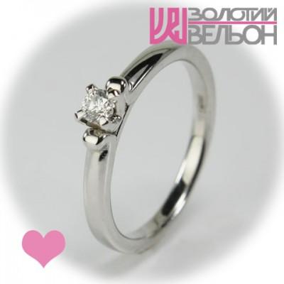 Помолвочное золотое кольцо с бриллиантом 551-10074