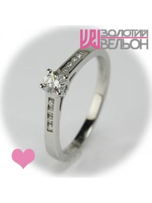 Помолвочное золотое кольцо с бриллиантом 551-10078V